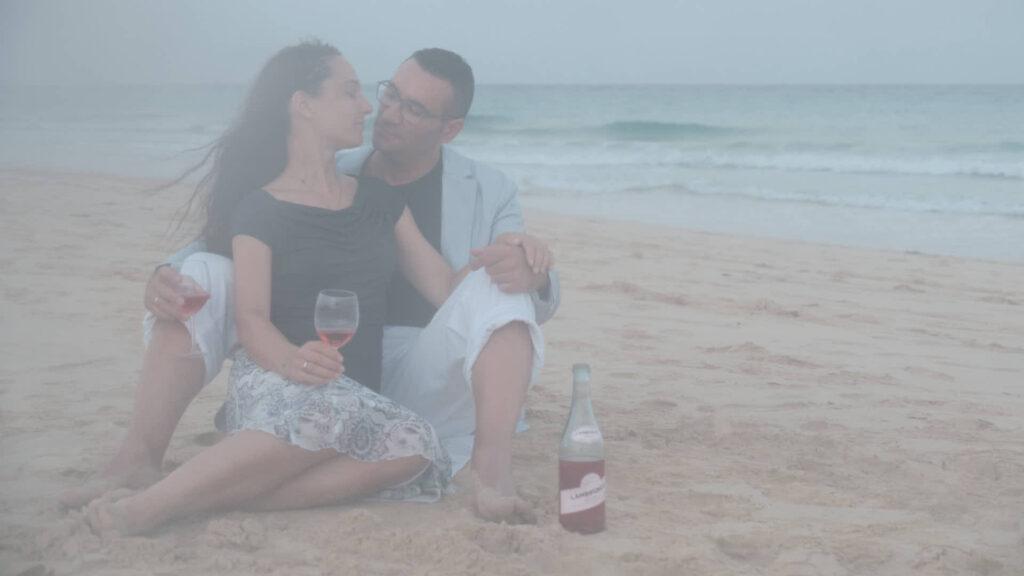Beim Fotoshooting auf Fuerteventura macht Deutscher Fotograf Ela & Chris Fotos von einem Paar in Morro Jable an der Playa de Jandia
